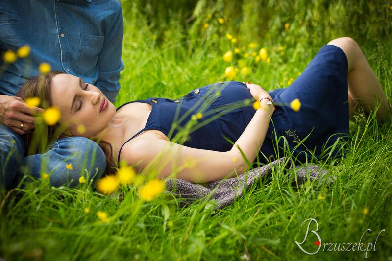 Plener ciążowy z partnerem